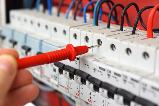 كهربائي في دبي